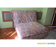 Krevet i fotelja na razvlačenje