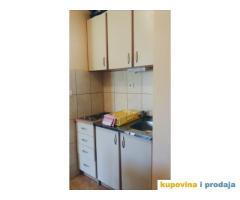Izdajem četvorokrevetne apartmane u Igalu, Herceg Novom