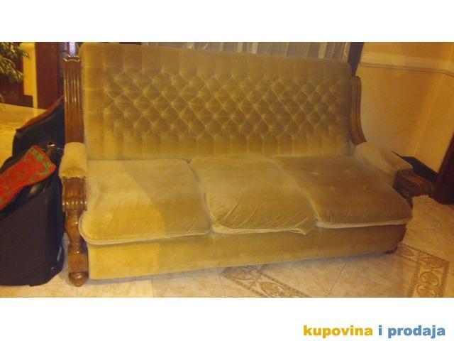 prodajem trosed dve fotelje