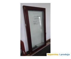 Drveni prozor sa AL zaštitom