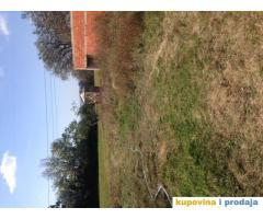 8 hektara zemlje sa kucom kod Topole