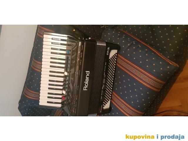 Harmonika Roland 3