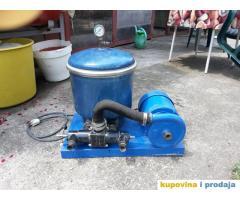 Pumpa za prečiščavanje vode u bazenu