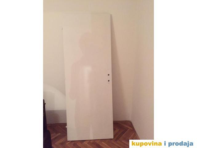 Sobna bela vrata
