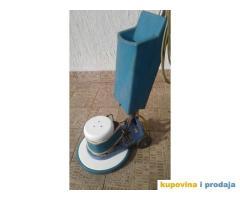Masina za pranje tvrdih podova i glatkih tepiha