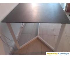 Prodajem trpezarijski sto