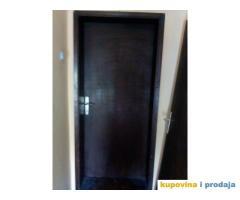 Na prodaju sobna vrata