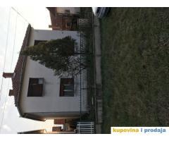 Menjam kucu u Batocini za nekretninu u Beogradu