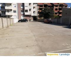 Izdajem garažu, Svetislava Kasapinovića 3, Novi Sad