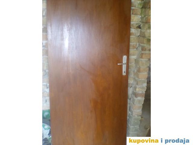 Povoljno vrata