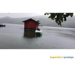 Prodajem splav na jezeru Perucac