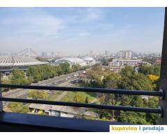 Prodajem trosoban stan na Senjaku u ulici Bulevar vojvode Misica 51a, povrsine 78m2