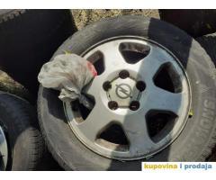 Opel Zafira felne sa gumama