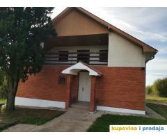 Prodajem kucu u selu Sokolovo 30km od Beograda
