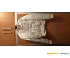 Prodajem belu jaknu