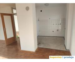Prodajem dvosoban komforan stan, 54m2 u Vrcinu 30000 evra