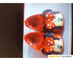 Obuca za decojcicu bebu  crvene mini maus sandalice od 6-9meseci kao nove perfektno stanje. Patikiic