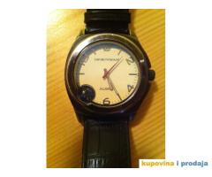 Prodajem sat Emporio Armani X-Large